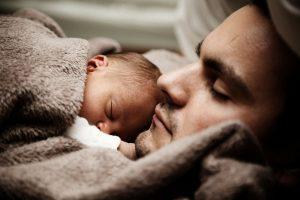 yenidogan-bebekler-ne-kadar-uyur